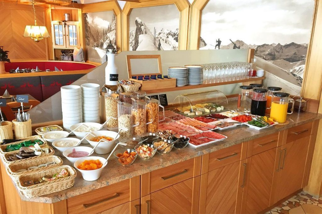 Frühstücksbuffet - Hotel-Garni Tyrol